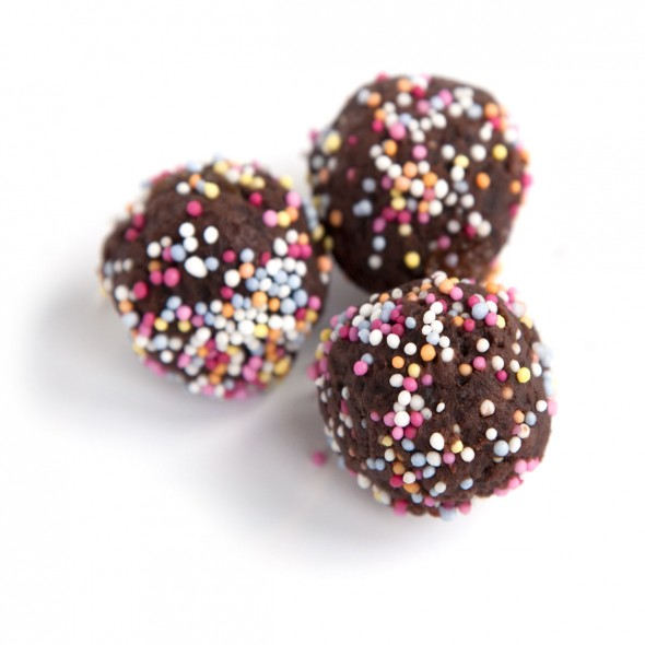 chocolate-truffles-easy-chocolate-cake-truffles-food-Good-Housekeeping ...