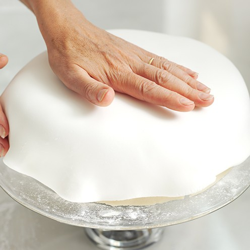 Icing A Square Cake With Ready To Roll Icing